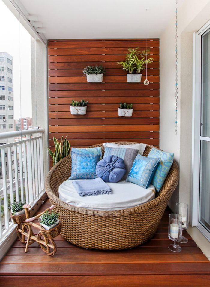 balcony-decorating-ideas-30-573c3b3fed1d8__700