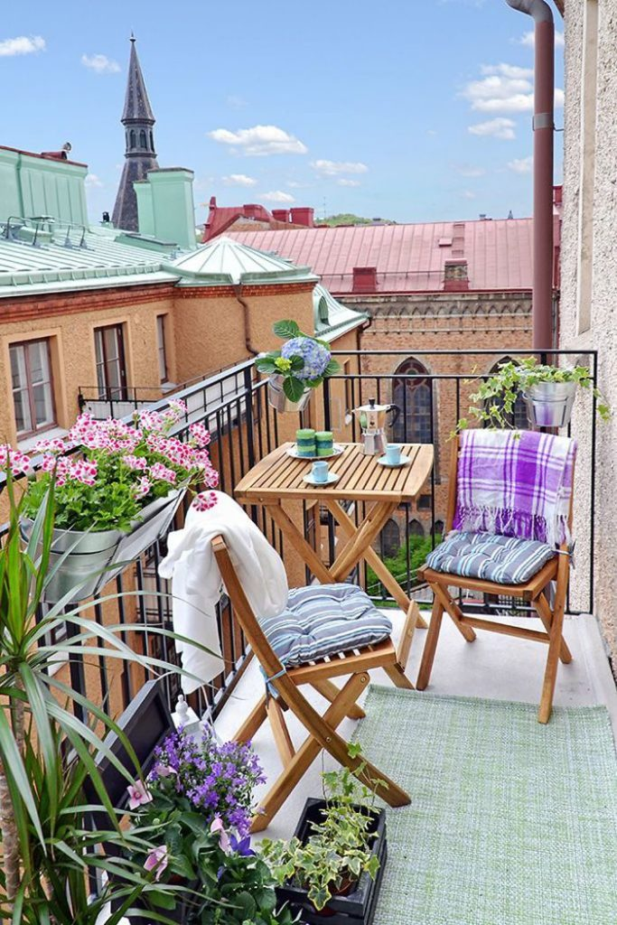 balcony-decorating-ideas-5-573c3af9f134b__700